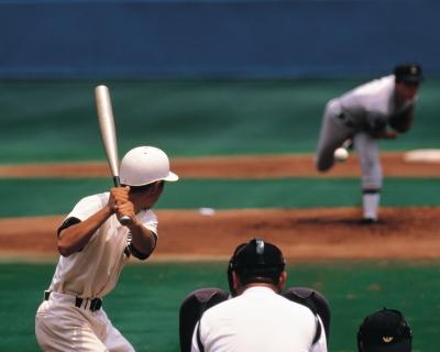 野球のピッチャーとバッター
