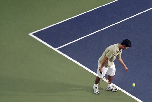 テニスのサーブ
